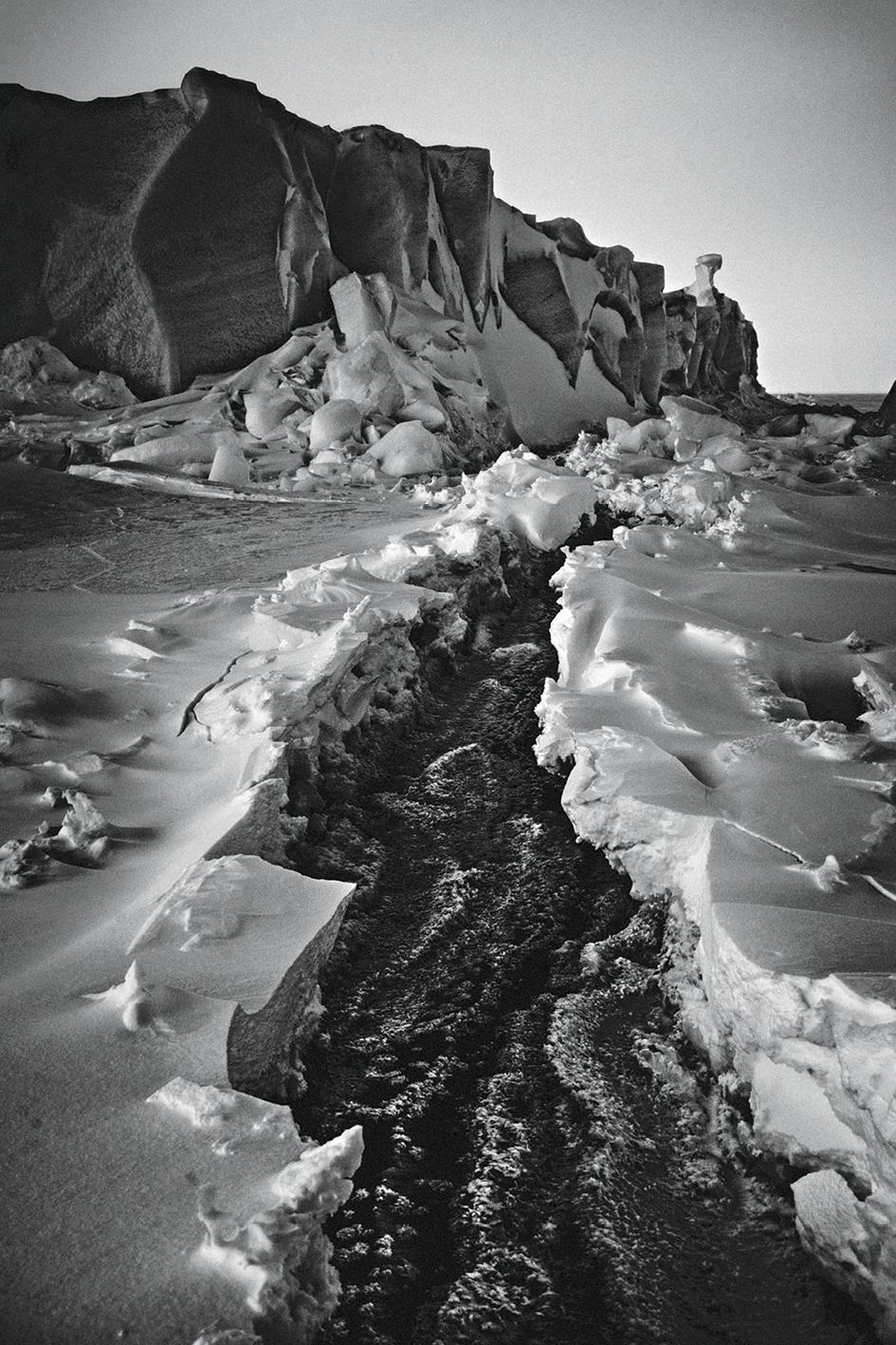 Paisaje con icebergs, Baffin Island, Canadá, 2016.  (© Laurent Baheux).