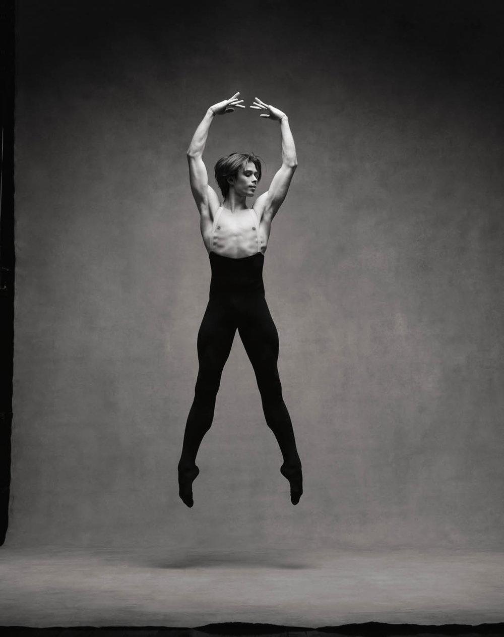 Artem Ovcharenko © Ken Browar and Deborah Ory · www.nycdanceproject.com.