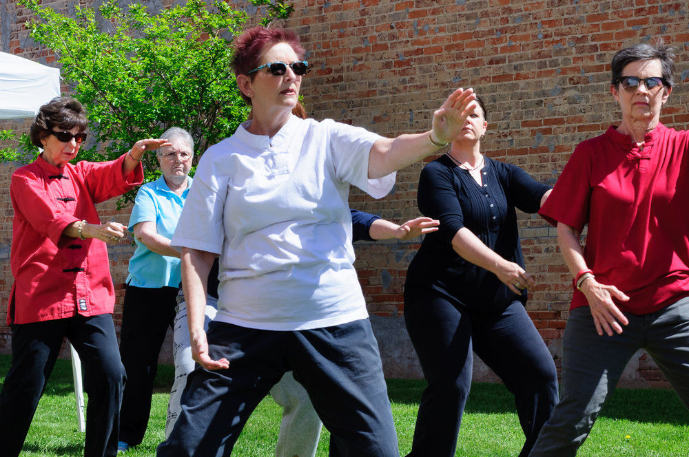 Debra Williamson led a group Tai Chi session in the park... the serenity of the movements mesmerizing.