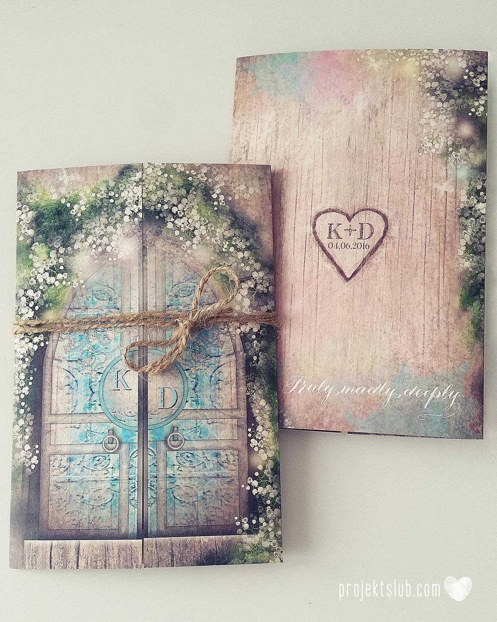 Zaproszenie ślubne zaczarowany las z motywem konwali w stylu rustykalnym z akcentami turkusu i rysunkiem drewna (5).jpg