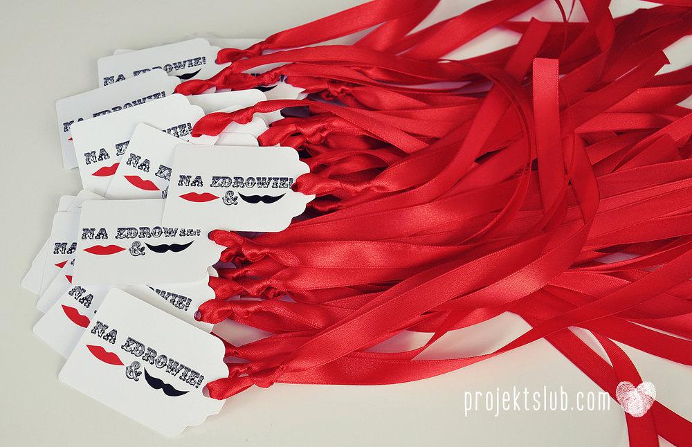 projekt_slub_zawieszki_na_wino_prostokatne_z_fala_czerwone_2.jpg