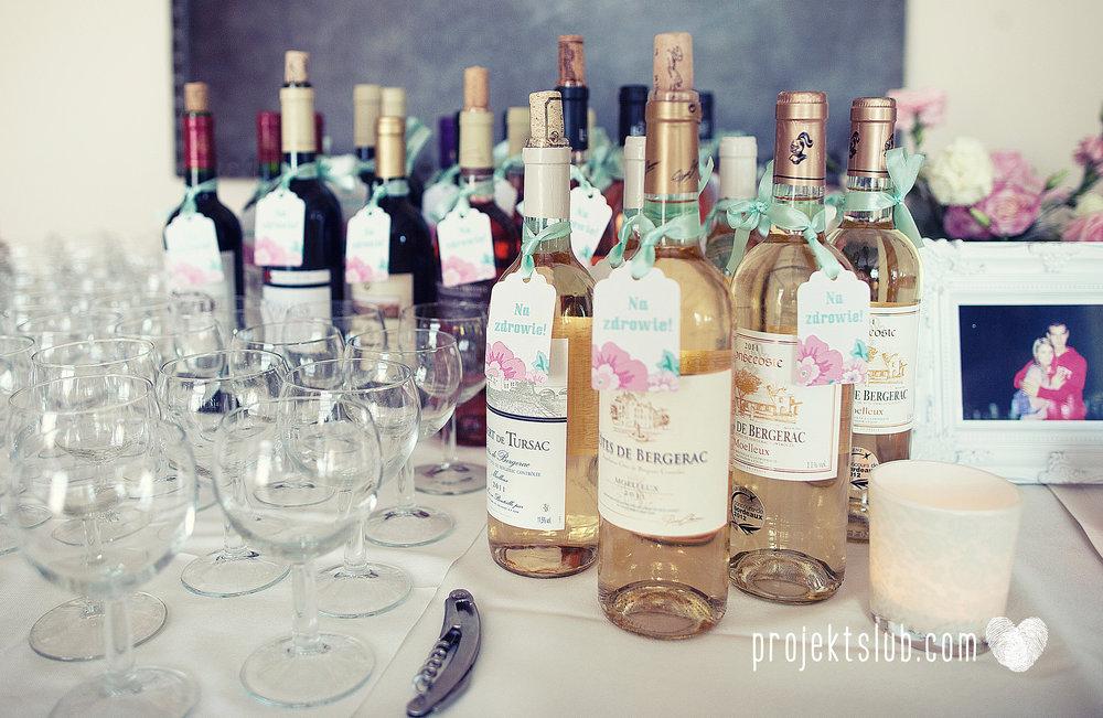 projekt_slub_zawieszki_na_wino_prostokatne_z_fala_mieta_roz.jpg