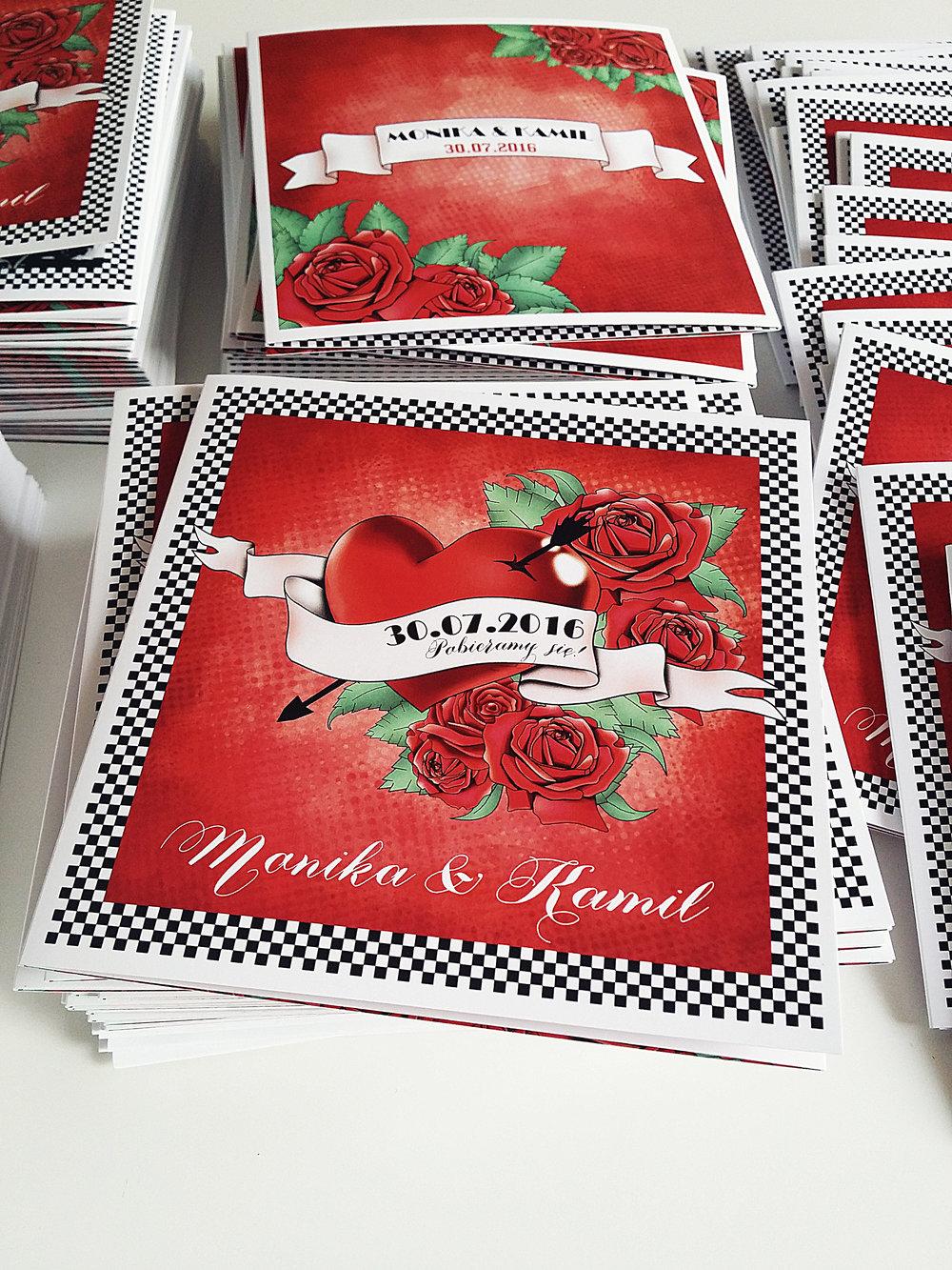 zaroszenie slubne z motywem tatuazu roza czerwony tatuaz serce muzyka ska rockabilly tattoos wedding projekt ślub  (2).jpg