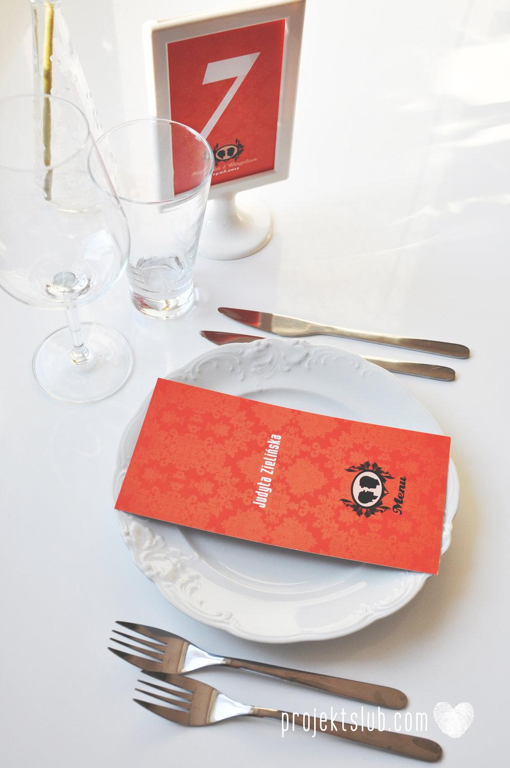 Oryginalne zaproszenie ślubne z kameą czerwone ze wstążką i zdjęciem narzeczonych wyjątkowy design elegancka grafika Czerwień Kamei Projekt Ślub (21).jpg