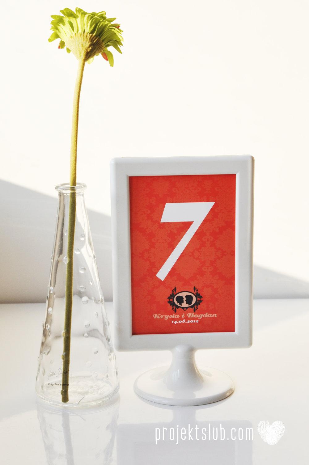 Oryginalne zaproszenie ślubne z kameą czerwone ze wstążką i zdjęciem narzeczonych wyjątkowy design elegancka grafika Czerwień Kamei Projekt Ślub (23).jpg