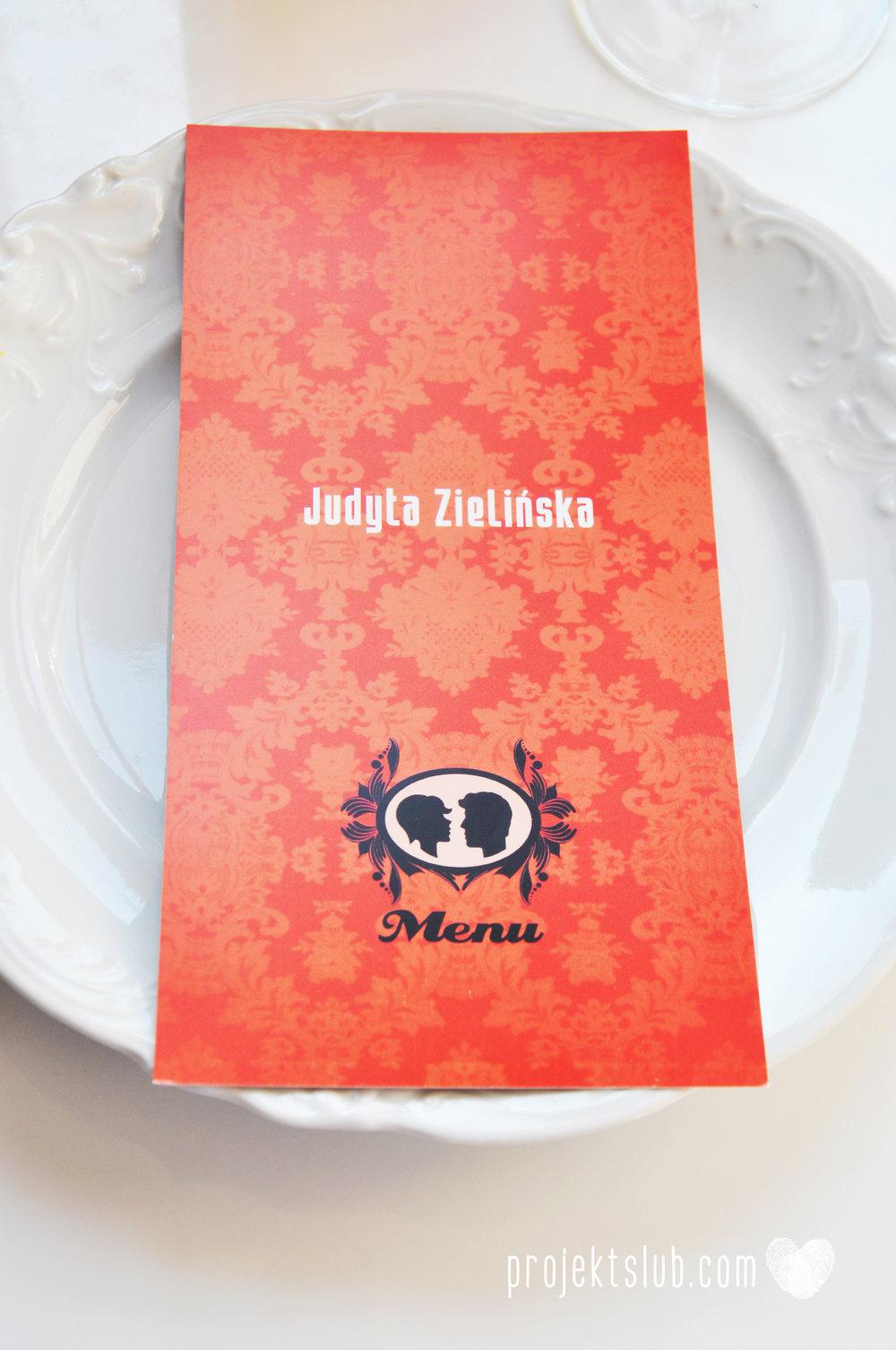 Oryginalne zaproszenie ślubne z kameą czerwone ze wstążką i zdjęciem narzeczonych wyjątkowy design elegancka grafika Czerwień Kamei Projekt Ślub (24).jpg