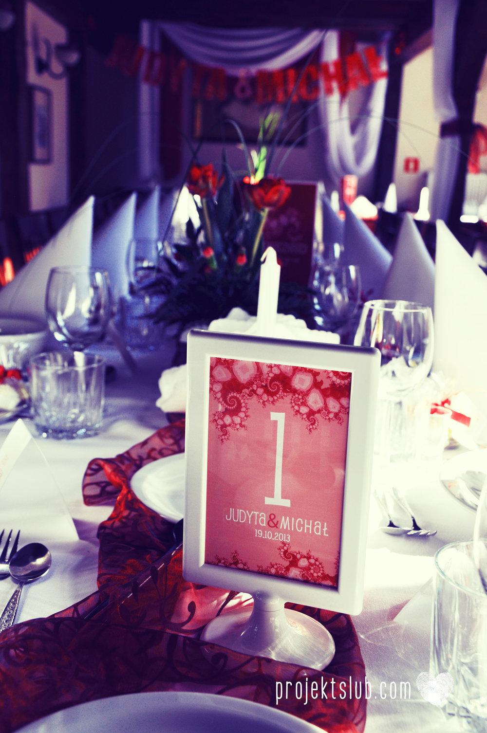 oryginalne zaproszenia i dodatki ślubne w odcieniach czerwieni bieli koralu i różu fraktale miłość serce Fraktalove Projekt Ślub (23).jpg