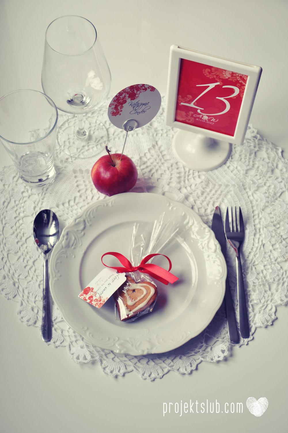 Zaproszenia i dodatki ślubne czerwona elegancja winietki menu zawieszki Projekt Ślub (10).jpg