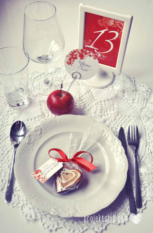 Zaproszenia i dodatki ślubne czerwona elegancja winietki menu zawieszki Projekt Ślub (12).jpg