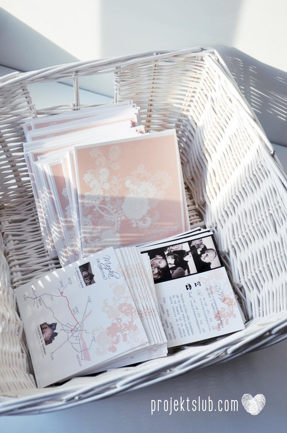 zaproszenia ślubne pudrowa elegancja róż pastele delikatne graficzne motywy klasyczny format projekt ślub (1).jpg