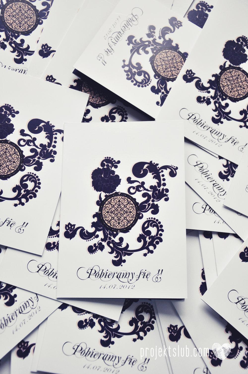 Klasyczne zaproszenie ślubne Granatowa Elegancja beżowa dodatki i dekoracje ślubne Projekt Ślub (4).jpg