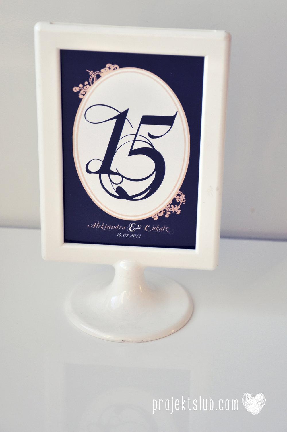 Klasyczne zaproszenie ślubne Granatowa Elegancja beżowa dodatki i dekoracje ślubne Projekt Ślub (37).jpg