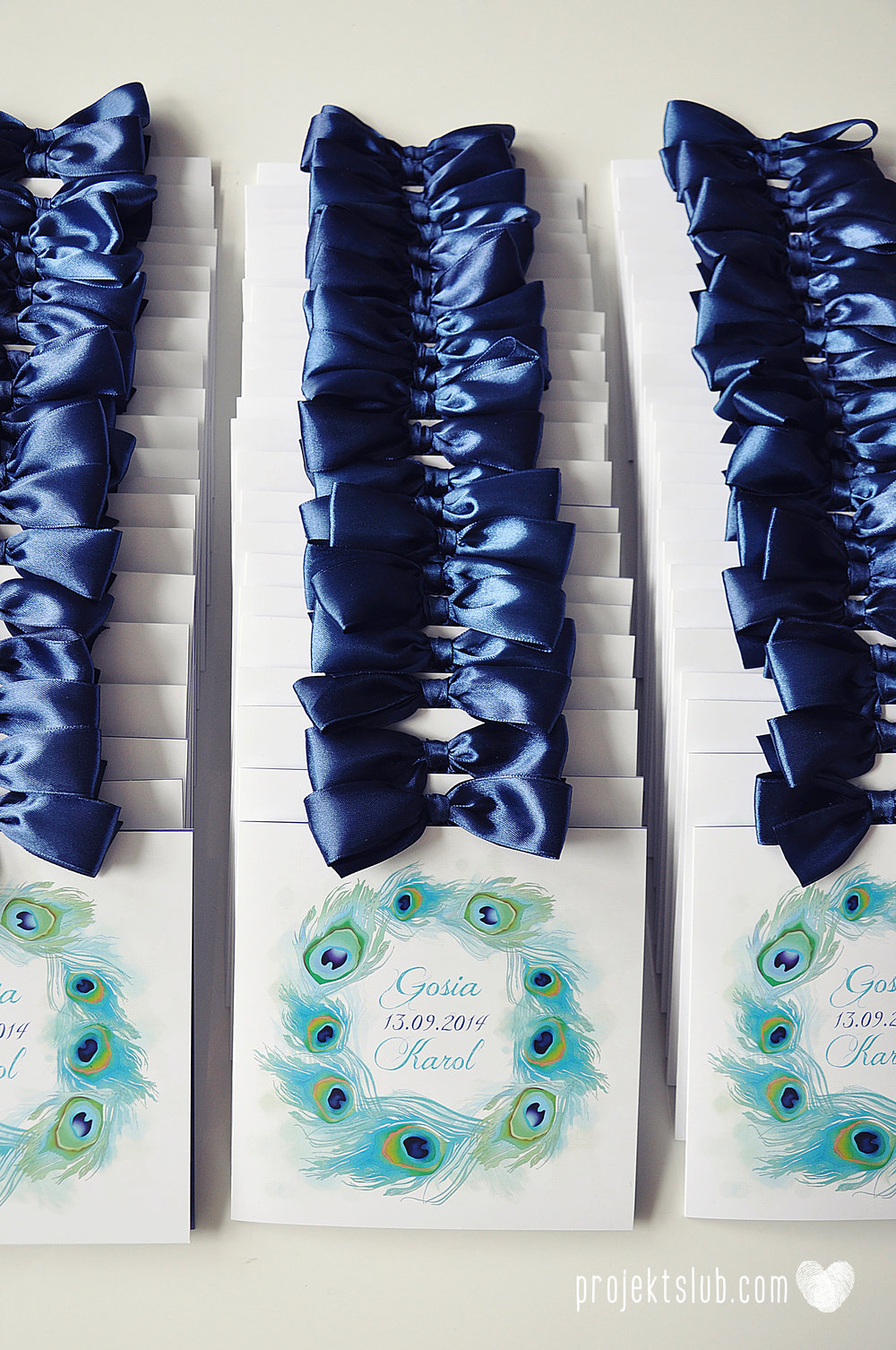 oryginalne zaproszenia i dodatki ślubne pawie oczko turkus granat biel elegancka papeteria projekt ślub (9).JPG