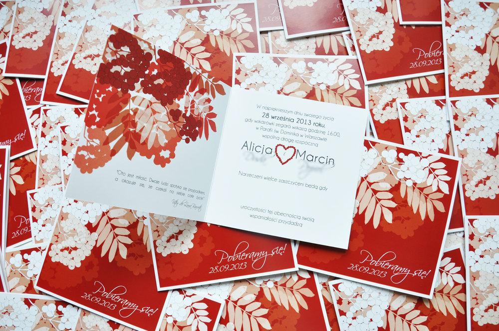 Zaproszenia ślubne jarzębinowa elegancja czerwień bordo biel eleganckie klasyczne z jarzębiną Projekt Ślub (3).JPG