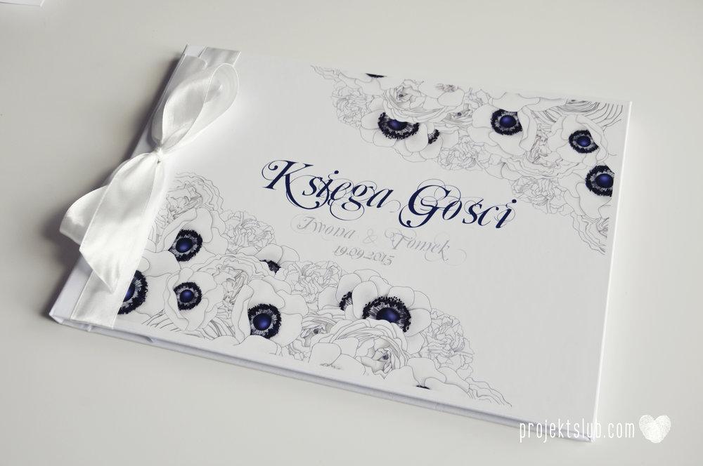 Zaproszenia+ślubne+z+motywem+kwiatów+białe+kwiaty+róże+tulipany+piwonie+biel+granat+beż+Projekt+Ślub+(28).JPG