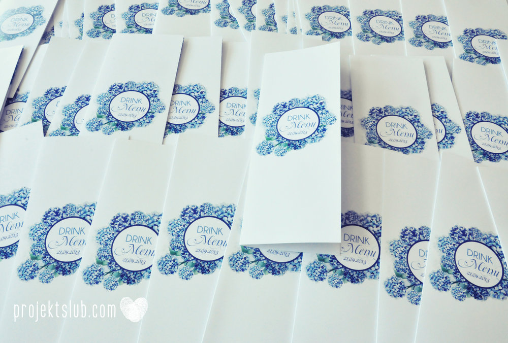 Zaproszenia+ślubne+z+motywem+kwiatów+granatowe+kwiaty+granat+niebieskie+hortensja+wianek+Projekt+Ślub+(26).jpg