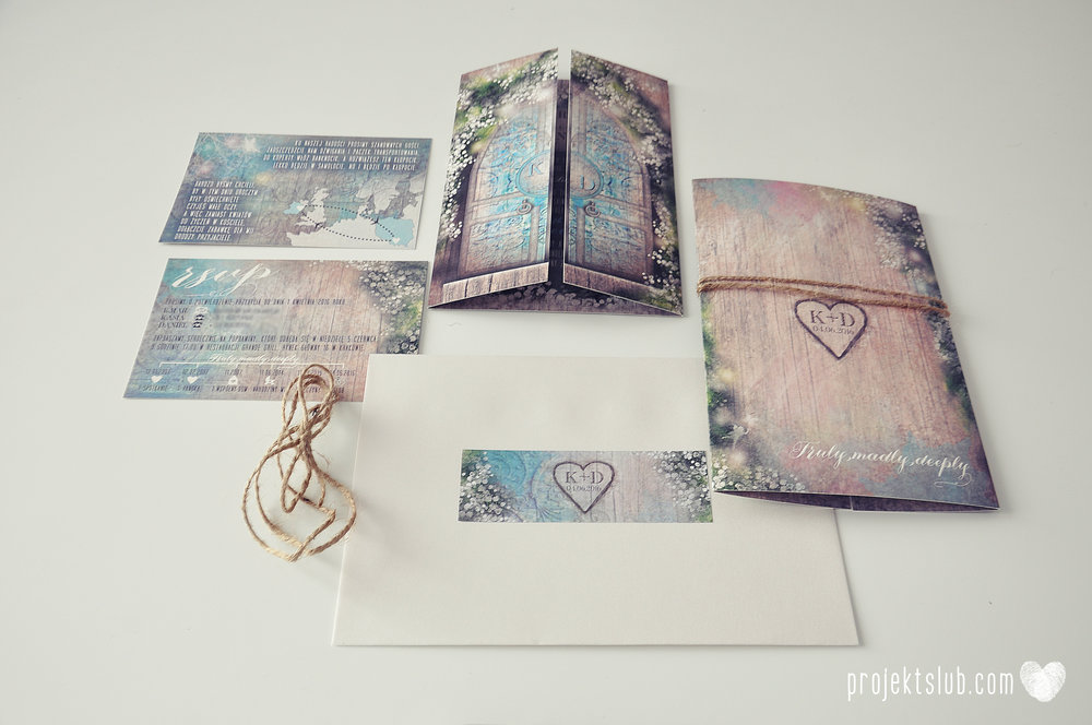 Zaproszenie ślubne zaczarowany las z motywem konwali w stylu rustykalnym z akcentami turkusu i rysunkiem drewna (9).JPG