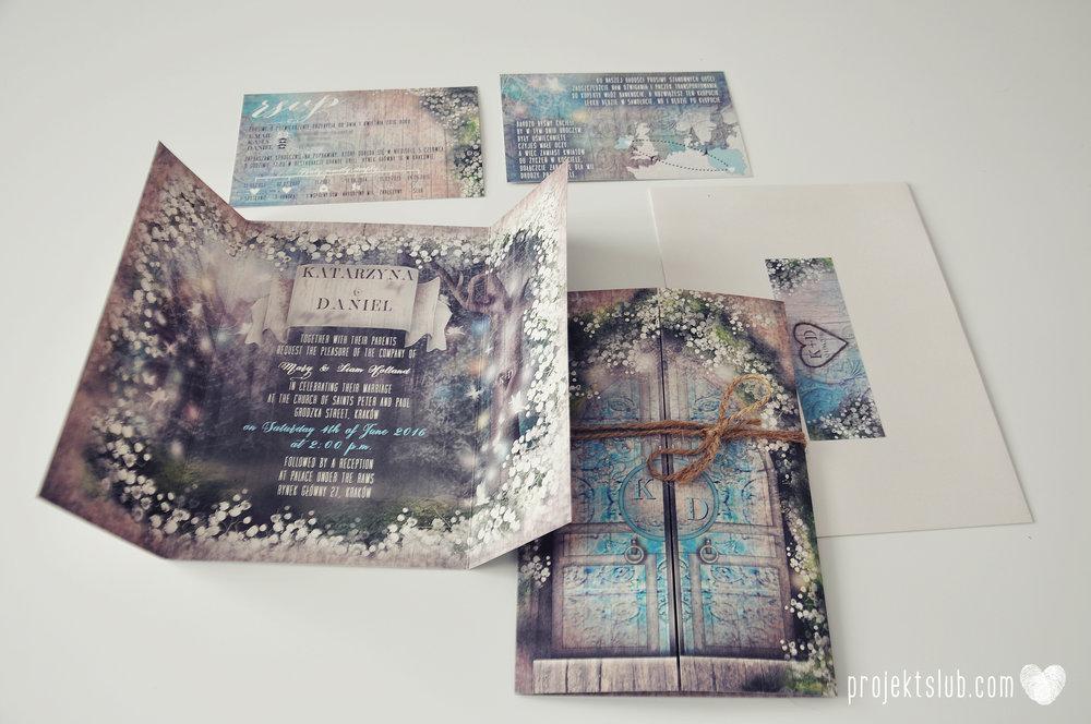 Zaproszenie ślubne zaczarowany las z motywem konwali w stylu rustykalnym z akcentami turkusu i rysunkiem drewna (10).JPG