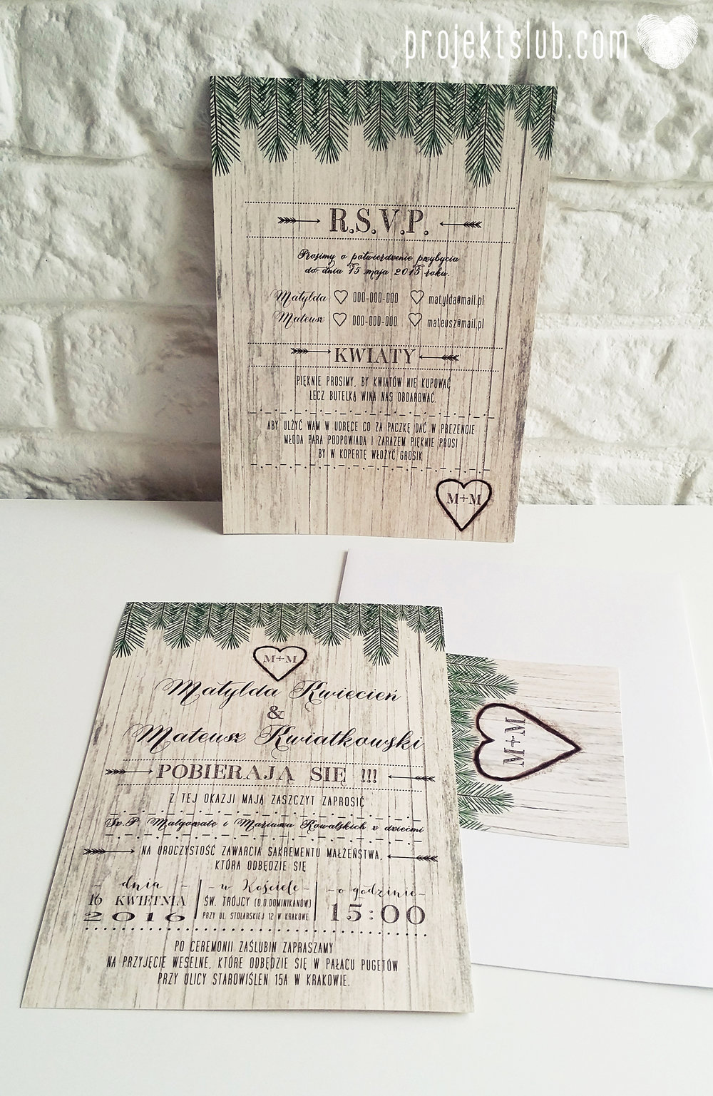 Zaproszenia ślubne Woodlove z motywem drewna iglaków świerku lasku rustykalne leśne eko Projekt Ślub (3).jpg