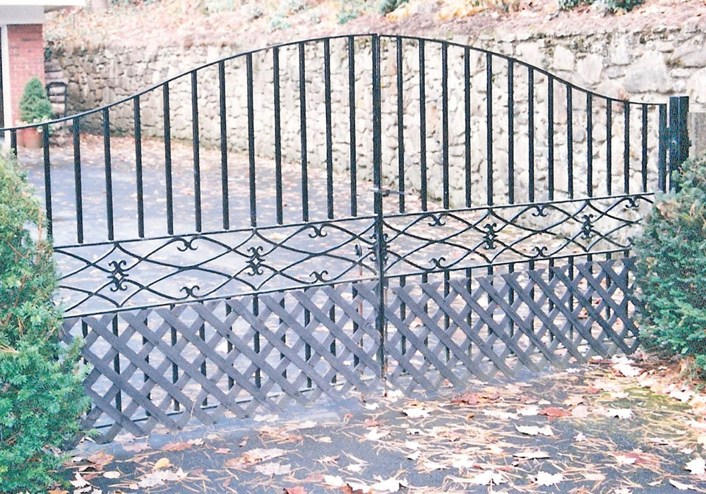 Private Residence Front Entry Gate   16 feet wide