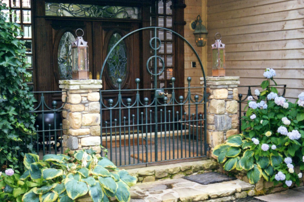 Entrance Walk Gate   6 feet wide