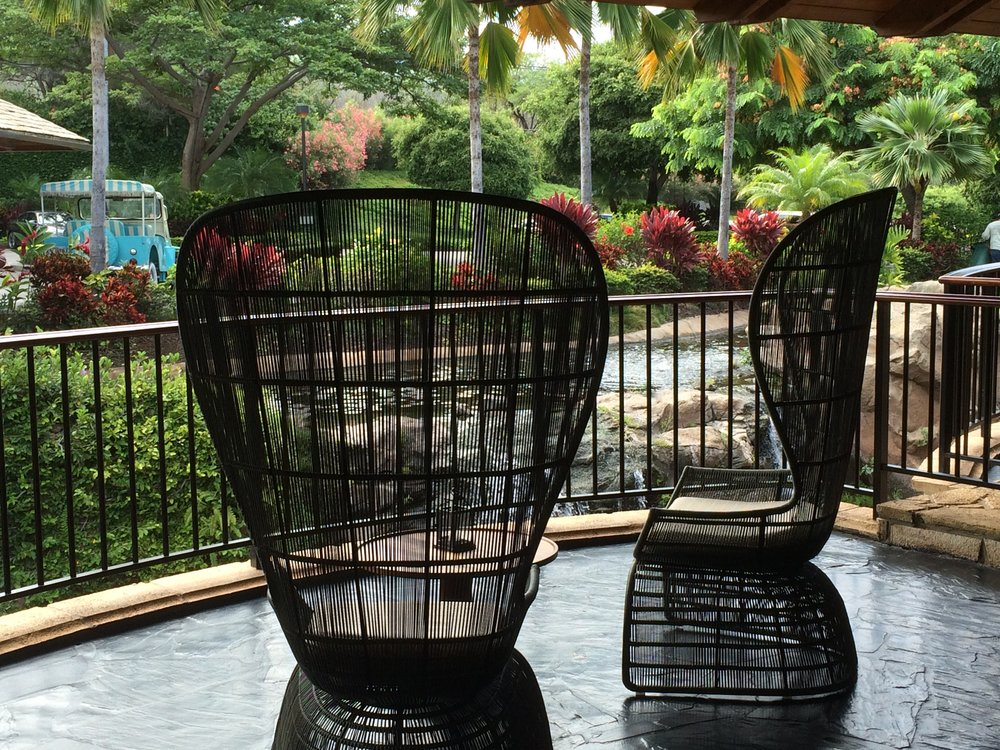 You know I love beautiful chairs. There were pairs of these all over the place at the Hotel Wailea.