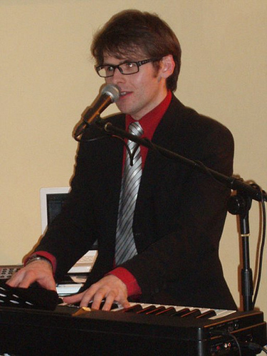 Scott Bramley Singer Pianist February 2009
