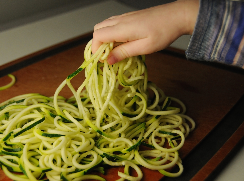 How to Make Spaghetti Squash and Zoodles 4