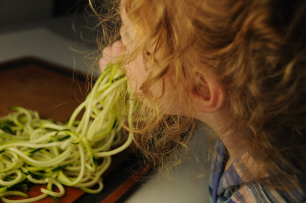 How to Make Spaghetti Squash and Zoodles 5