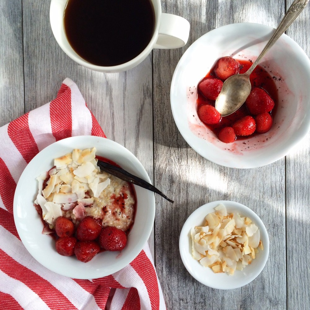 Creamy Vanilla Oatmeal with Strawberries and Toasted Coconut