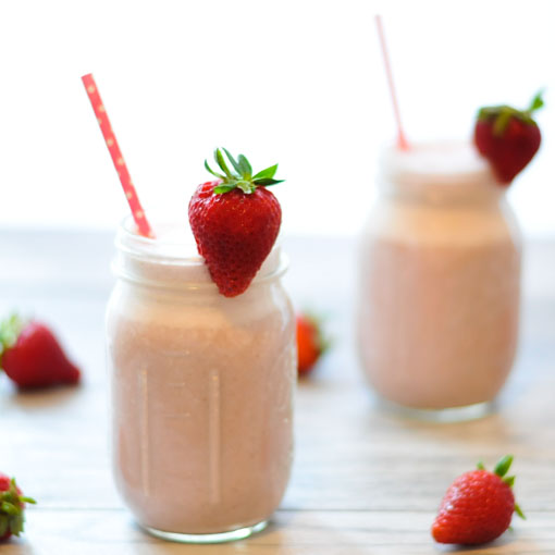 Super-Fast Strawberry Cashew Milk