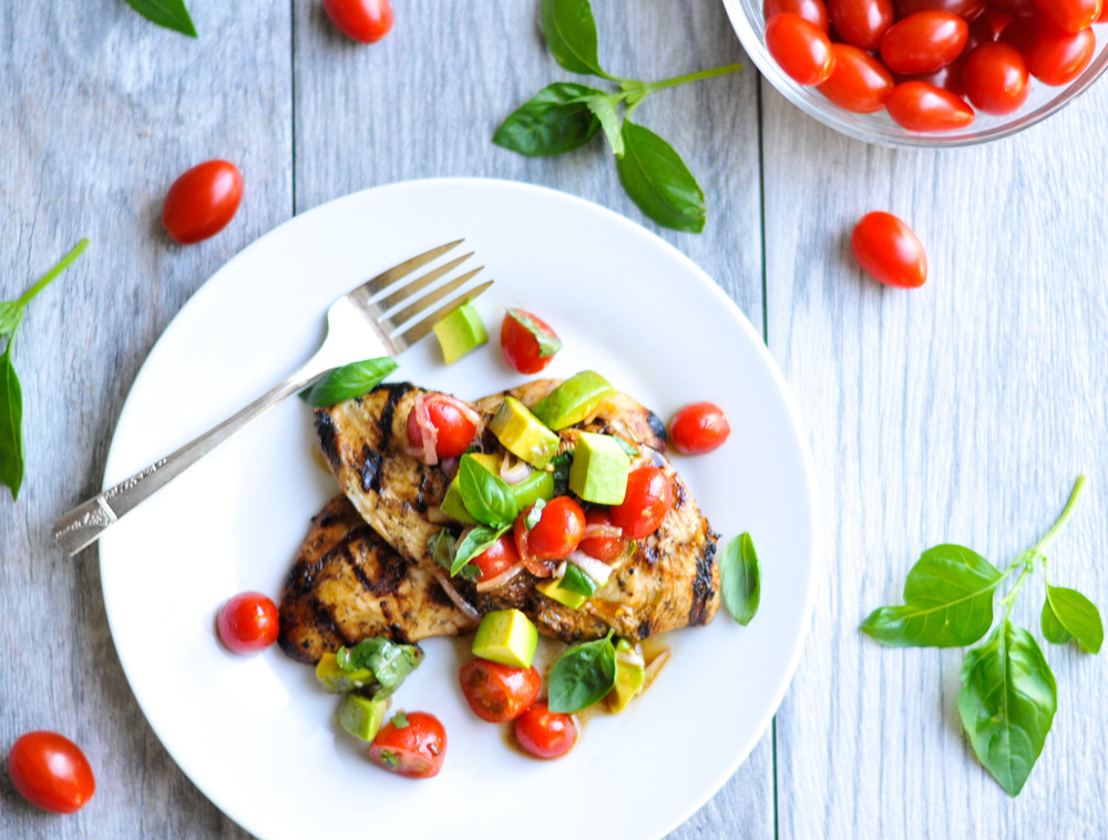 Balsamic Grilled Chicken with Avocado Cherry Tomato Salad. A quick, easy, delicious weeknight dinner. #glutenfree #dairyfree #healthy