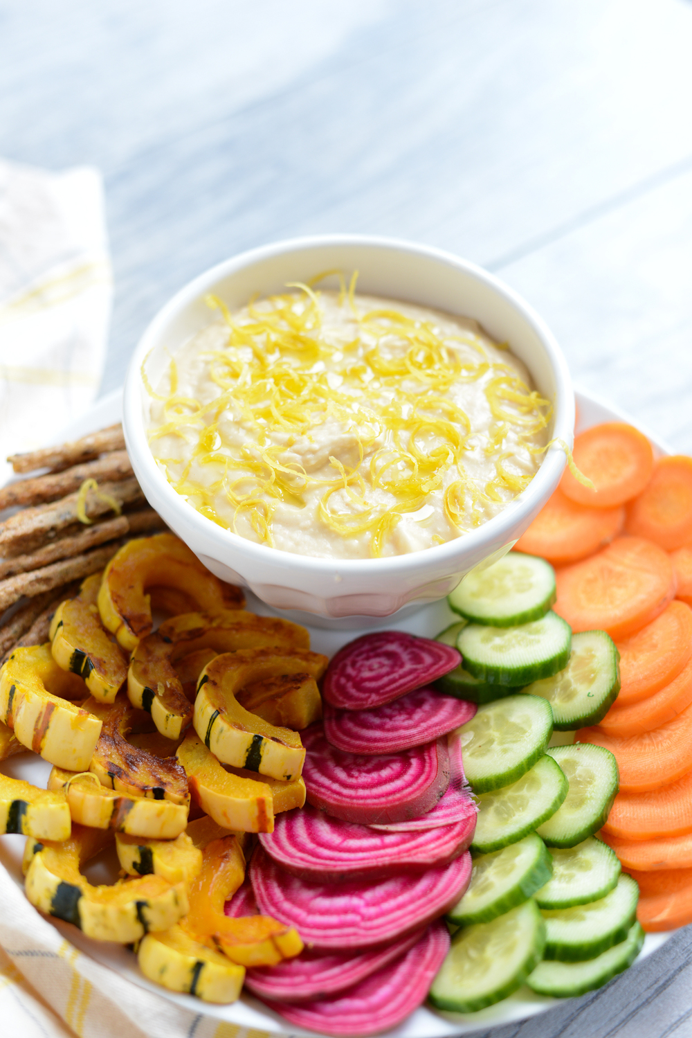 Simple Lemony White Bean Dip. A perfect, simple dip for Thanksgiving Day!