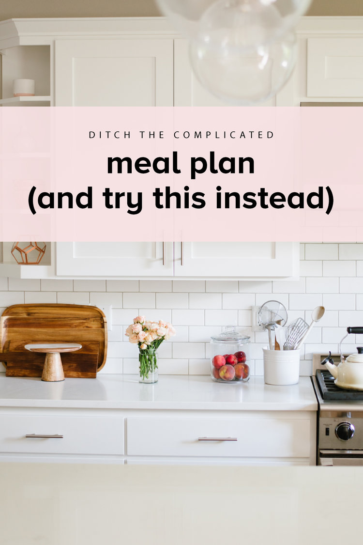Ready to ditched complicated meal planning in favor of a simple, streamlined system and streamlined? Here's how! #realfoodwholelife #realfoodwholelifesimplify #mealplanning #cleaneating  #mealplan #mealplansunday #healthyeating #cleaneating