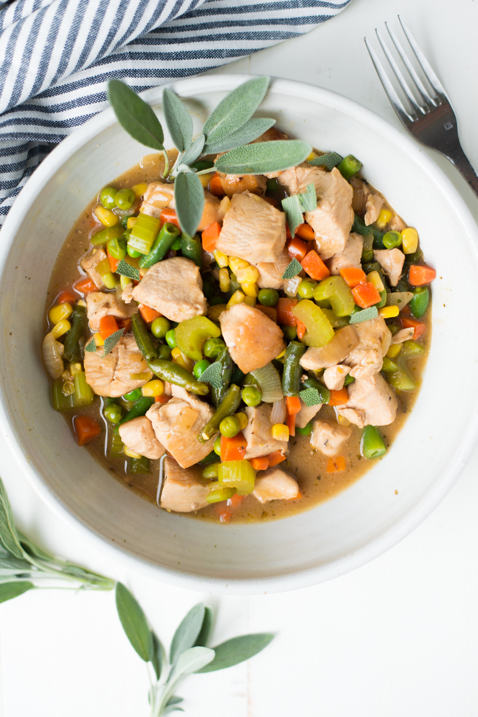 20-Minute Stovetop Chicken Pot Pie (Dairy-Free) is a super-fast weeknight dinner that's as easy as it is delicious. A naturally gluten-free, dairy-free, paleo, whole30 recipe. #realfoodwholelife #realfoodwholeliferecipe #healthyrecipe #paleo #paleorecipe #whole30 #whole30recipe #chicken #chickenrecipe #chickenpotpie #cleaneating #glutenfree #dairyfree #glutenfreerecipe #dairyfreerecipe