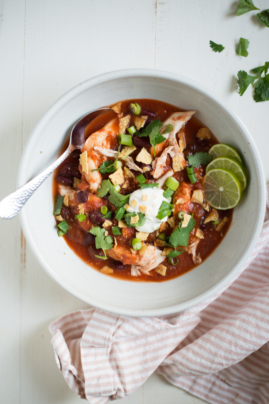 6-Ingredient Slow Cooker Chicken Taco Chili is an insanely simple and totally tasty recipe to throw together any night of the week. A naturally gluten-free, dairy-free recipe. #realfoodwholelife #realfoodwholeliferecipe #glutenfree #glutenfreerecipe #dairyfree #dairyfreerecipe #healthy #healthyrecipe #easyrecipe #quickrecipe #cleaneating #crockpot #crockpotrecipe #slowcooker #slowcookerrecipe