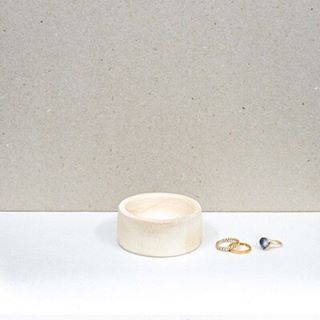 Always losing or misplacing your change or jewellery? Why not treat yourself to this cute little dish and keep them safe in one place? Pretty enough to display on your table. Hand made by the talented Leoni, using locally grown and reclaimed wood in South London. See link in bio and check out our accessory department #sustainableliving #giftshop #ethical #eco #sustainable #organic #organiccotton #organicliving #chemicalfree #fairtrade #homewares #interiorinspiration #interior_design #homesinterior #ecofriendly #naturalliving #handmadeaccessories #handmadeshop #shophandmade #handmadegifts #homeinterior #homeliving #interiordecorating #sustainableluxury #stool #sidetable #wooden #madeinlondon #jewellery #apartmenttherapy