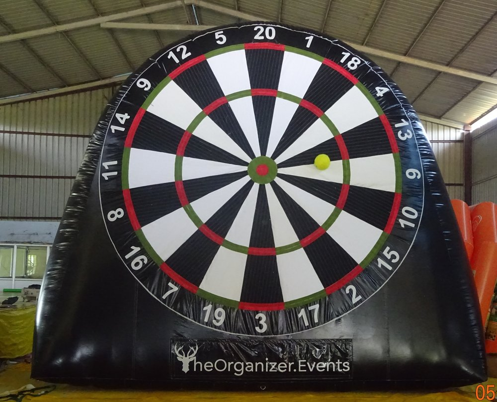 17ft high, 19ft wide, Dartboard