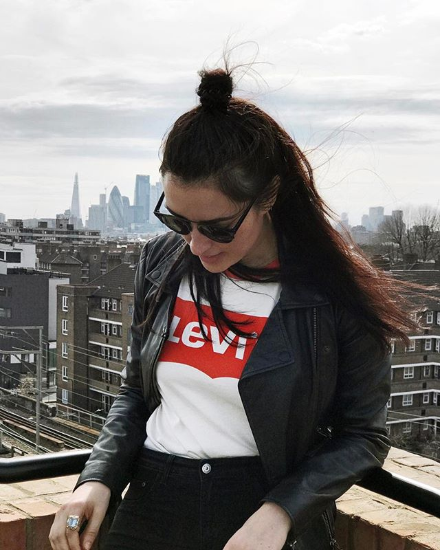 Rooftop shenanigans. Pic by @neliana.london 😘 #london #rooftop #sunshine #spring #levi #fashion #hackney #shoreditch #londoncity #bigcity #trip #travel #sunglasses #fashiun #iphone7plus