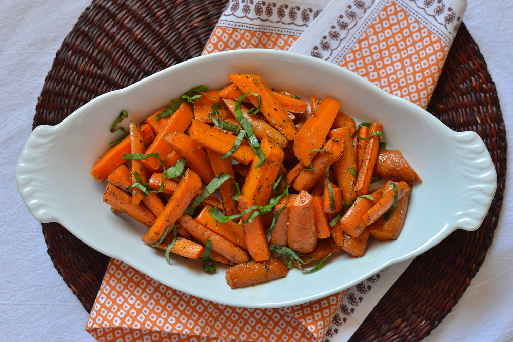 Herbed butter roasted carrots
