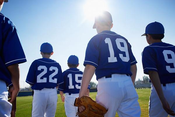 kid-baseball-players1