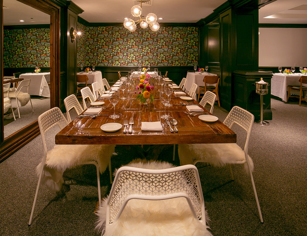 <B> RUE DAILY </B> 12 RESTAURANTS WITH ABSOLUTELY DELICIOUS WALLPAPER, PLAJ RESTAURANT