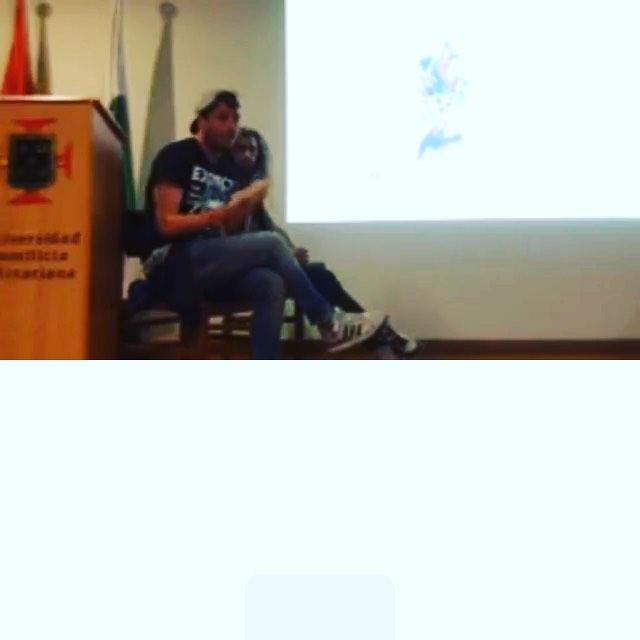 Conéctate al Facebook Live que estamos transmitiendo hoy nuestra charla en @imagenpalabramedellin