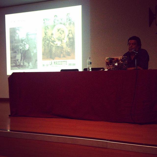 Iniciamos nuestra última charla con @toro_illustration, la historia de las mascotas para publicidad @imagenpalabramedellin
