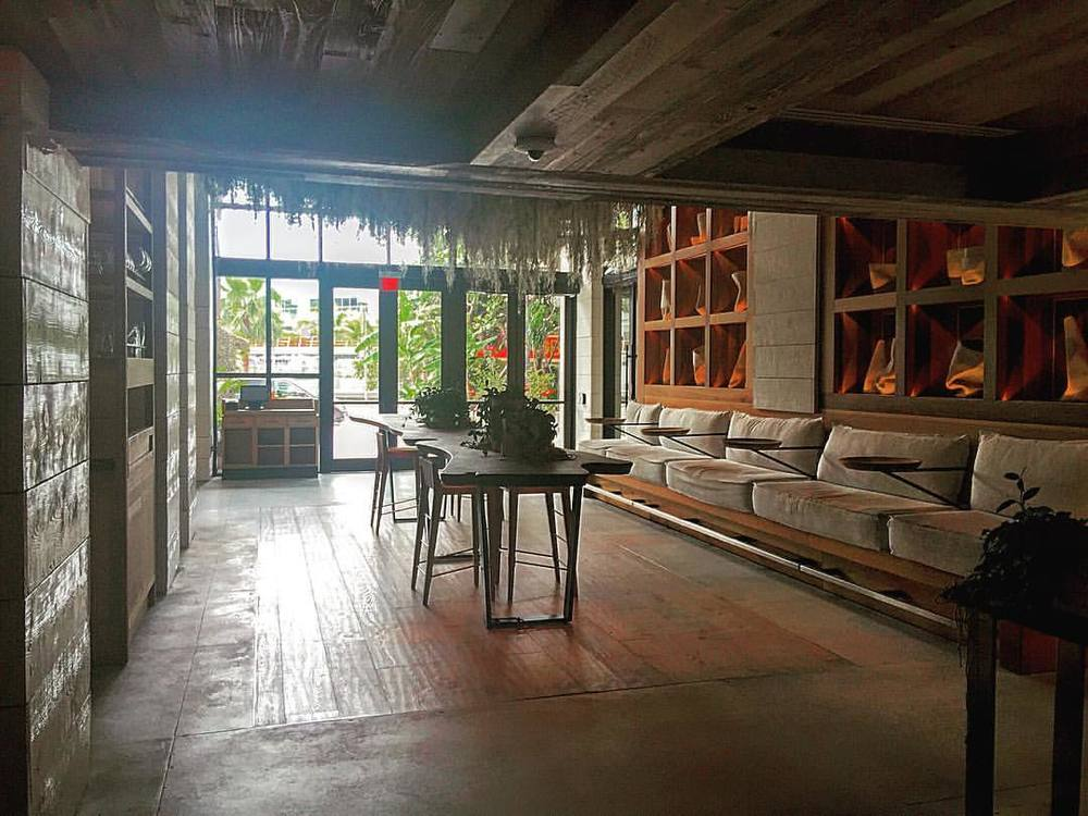 Rustic has never been so chic 💋  ||  #the1  #inspo #design #chic #architecture #interior  #rustic #modern #style #miami #nyc #sobe #southbeach #1hotel #openhouseny  (at 1 Hotel South Beach)