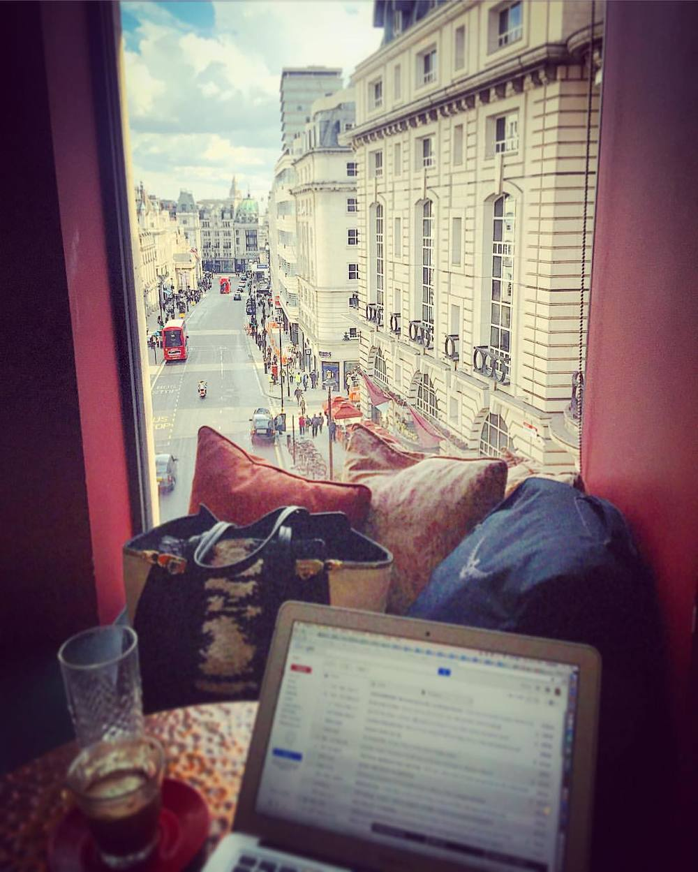 View from today's office ☕️ (at Piccadilly Circus)