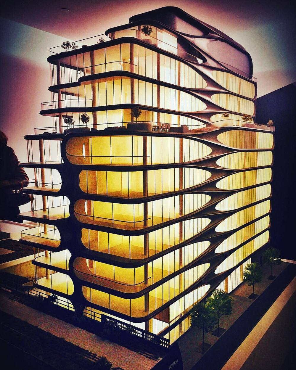Coming soon to the Highline District…. The most fluid-designed modern luxury building to grace Chelsea yet! 😍🌊🏄🌃  ||  @zaha_hadid   ||  #nyc #highline #architecture #archilovers #zahahadid #chelsea #meatpacking #westvillage #westside #highlinedistrict #modern #design #zaha #iloveny #realestate #newyorkcity #openhouseny (at The High Line)