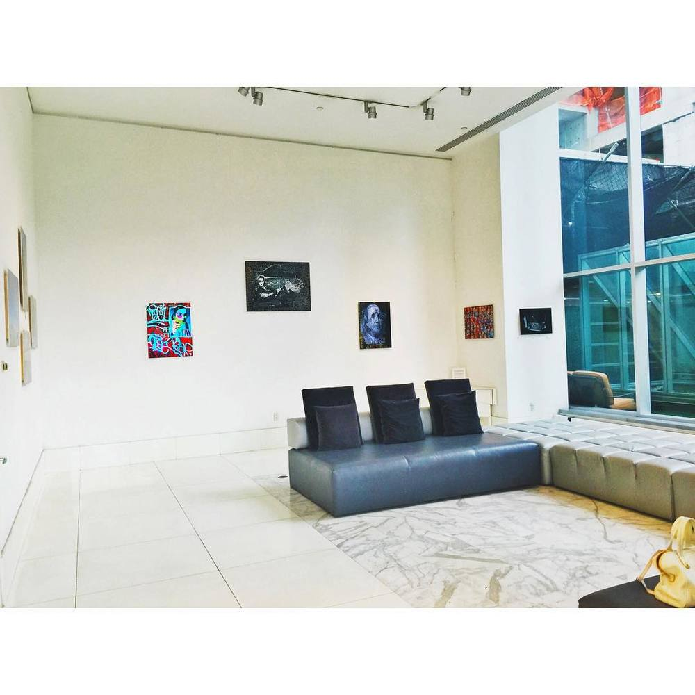 Art Gallery Lobbies - so hot right now. 🎨 #nyclife #nyc #art #luxury #lobby #minimal #manhattan #iloveny #home #style #chic #painting #modern #openhouseny  (at New York City)