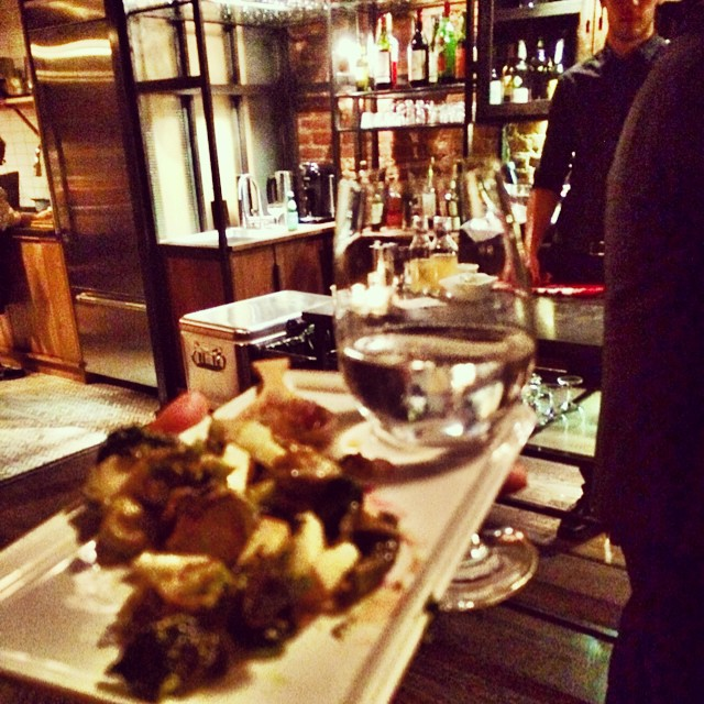 Efficient Cocktailing  #tastingtable #brilliantplates  🍷+🍛=😊 (at Tasting Table Test Kitchen)