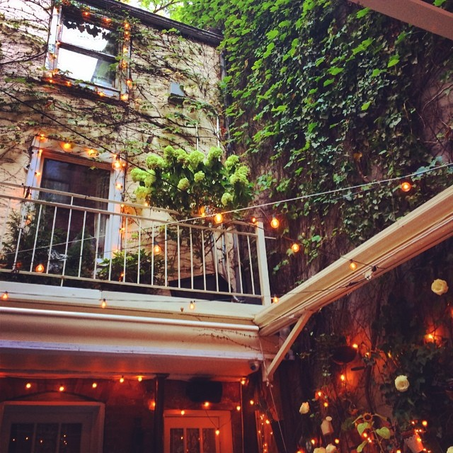 Adorable outdoor garden and yummy Italian 😘🌸🍝 #summer #nyc  (at Palma - 28 Cornelia St)